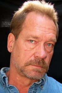 Dennis Hayden