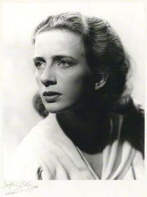 Leora Dana
