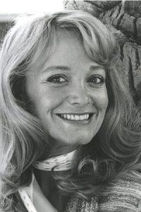 Lynne Marta