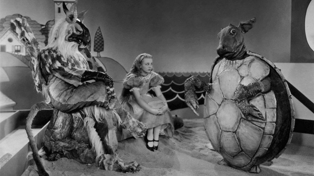Alicia en el país de las maravillas (1933)